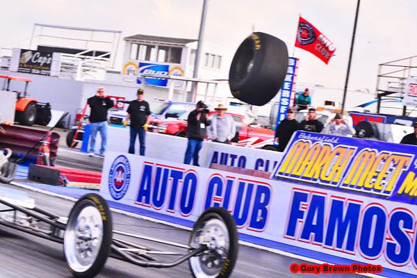 2012 Bakersfield March Meet - Schrokosch Loses a Tire!